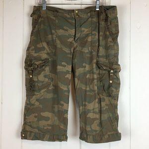 Old Navy Camouflage Capri Pants 14 Low Waist